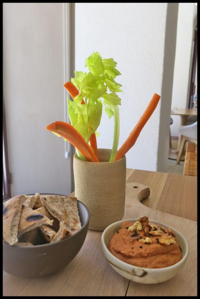 hummus-de-pimiento-rojo-con-nueces