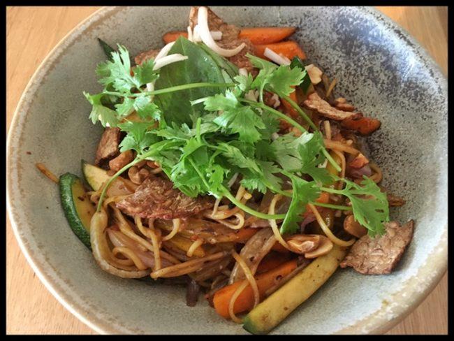wok-de-fideos-y-tofu