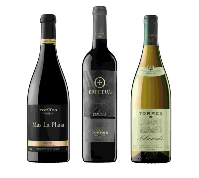Tres vinos con medalla de oro y trofeo