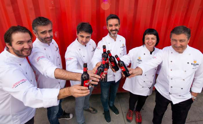 Grupo de los cocineros en Lisboa